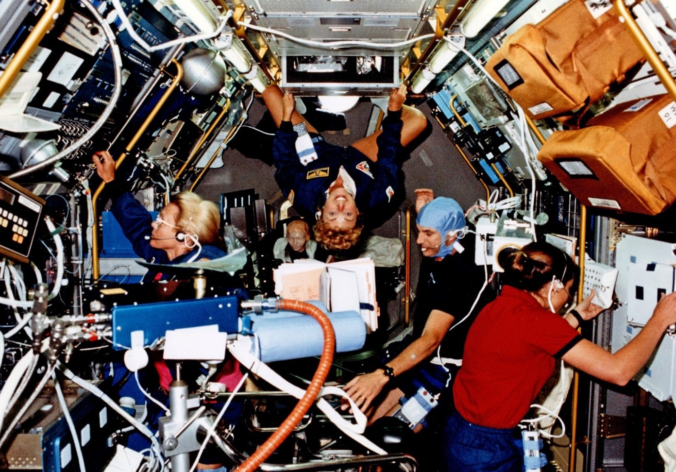 Close quarters in Spacelab